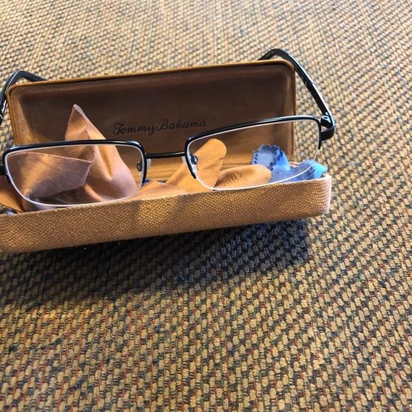 b8d08298e52 Tommy Bahama reader glasses
